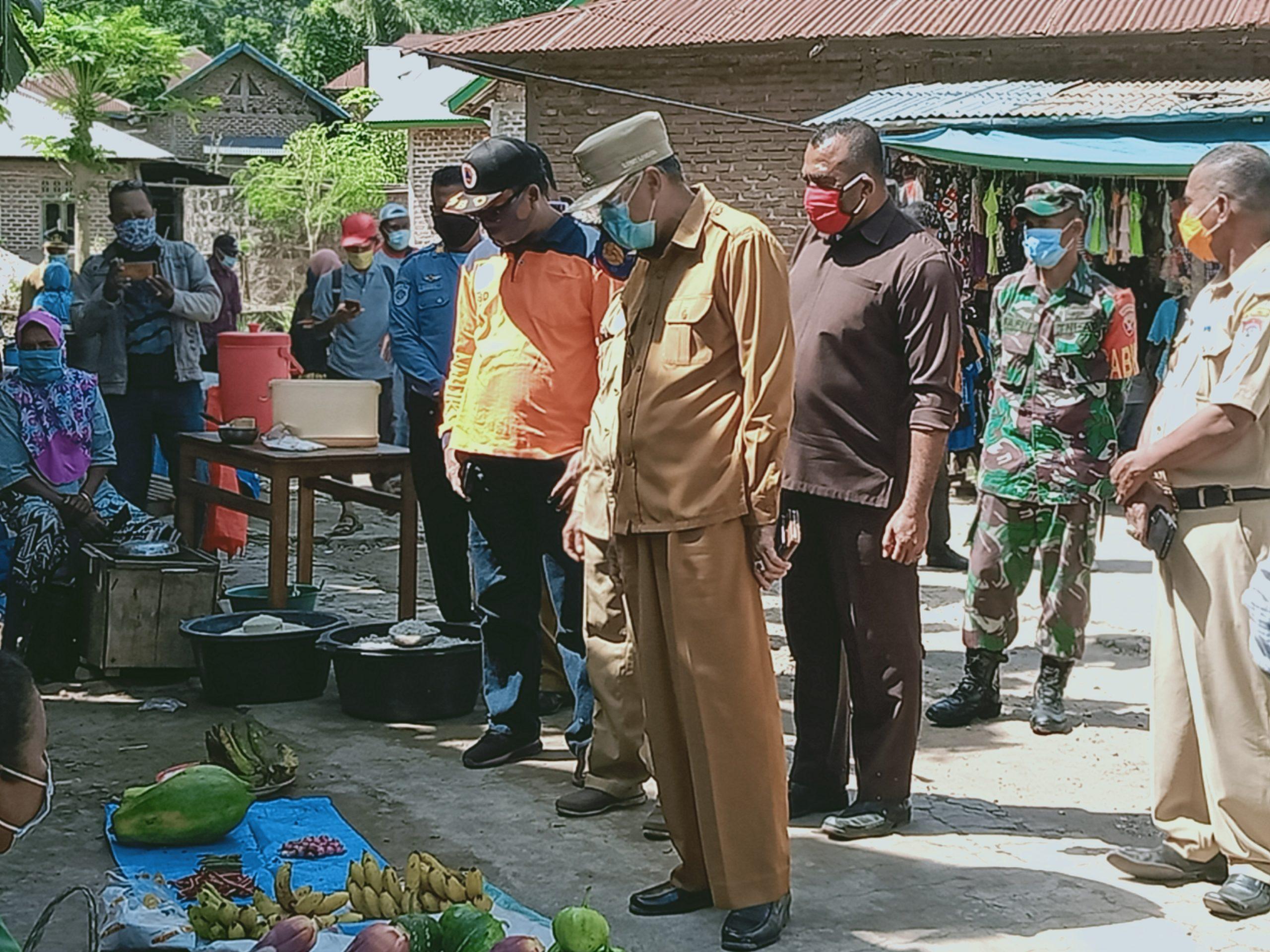 Bupati Minta Kades Walangsawa, Jaga Ketat Aktifitas Pasar