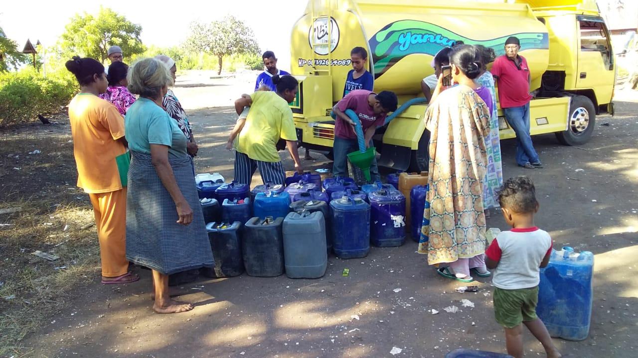 Yanuar Adonara, Bantu Air Bersih Bagi Warga Meko