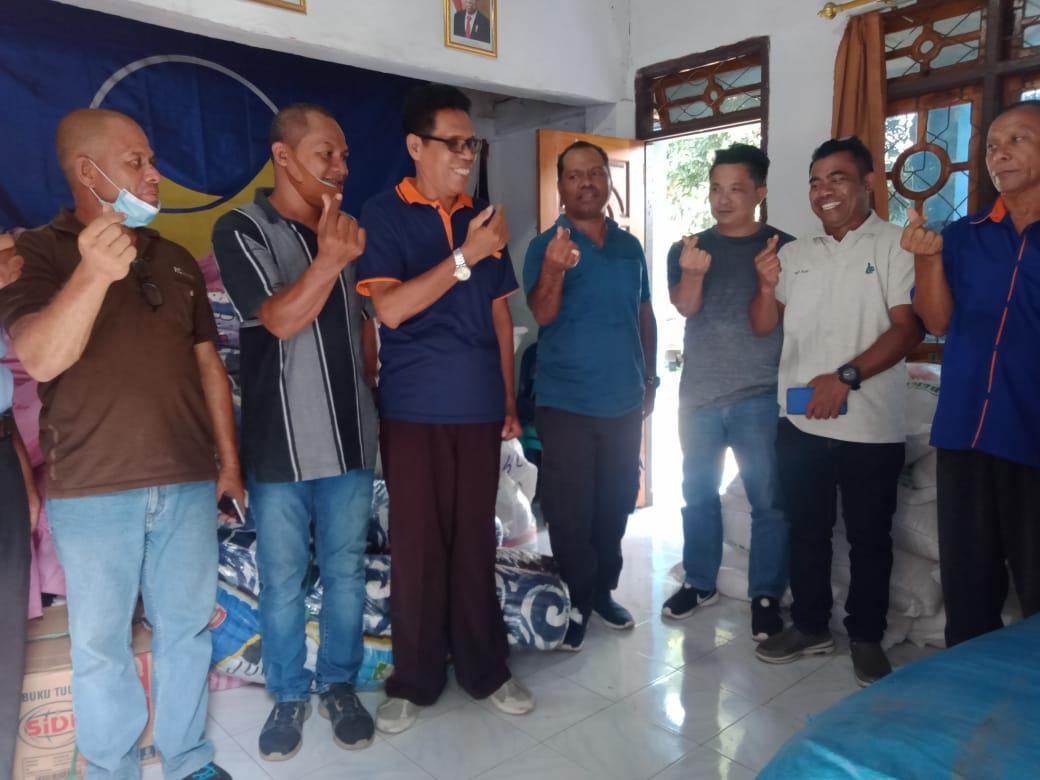Alex Ofong Salurkan Bantuan Kemanusiaan DPW Nasdem Kepulauan Riau Bagi Warga Terdampak Erupsi Ile Lewotolok