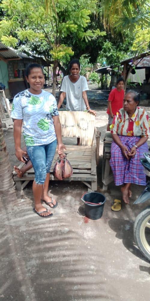 Kopral Lembata, Distribusi Bantuan Kemanusiaan Bagi Pengungsi Ile Lewotolok