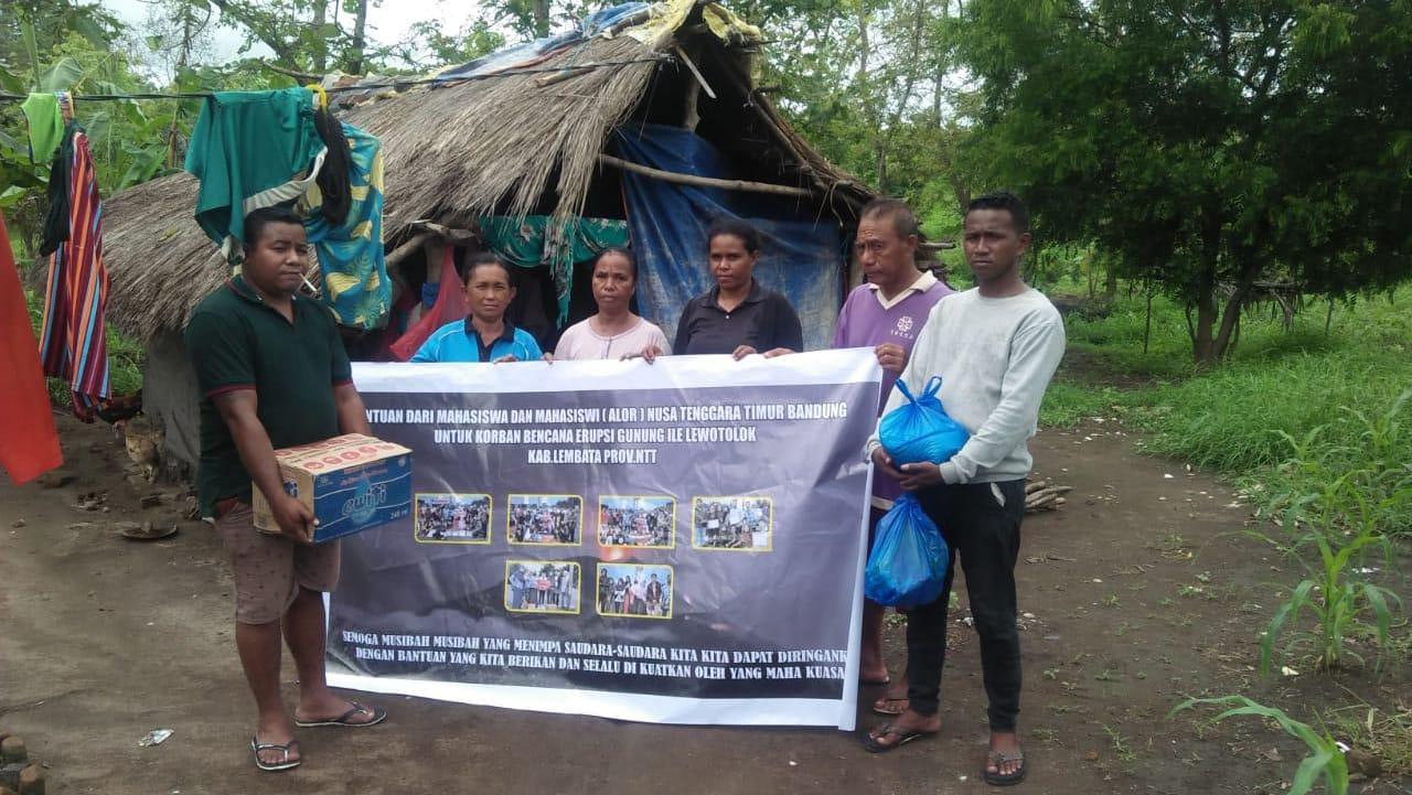 Mahasiswa Bandung Asal Alor, Salurkan Bantuan Kemanusian Bagi Korban Erupsi Ile Lewotolok