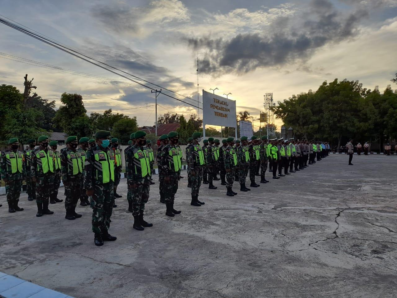 Apel Gabungan TNI-Polri Dalam Rangka Pengamanan Malam Pergantian Tahun, Dandim 1624/Flotim Di Wakili Dandramil Lewoleba
