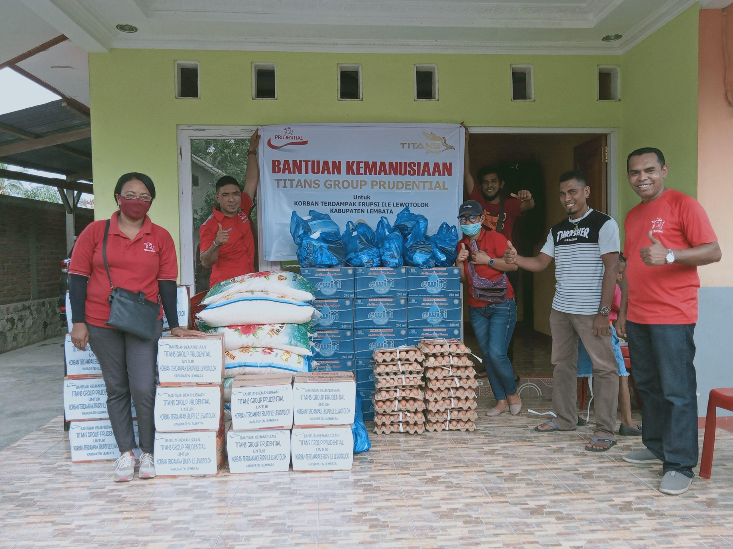 Titans Grup Pudential Lembata, Serahkan Bantuan Kemanusiaan Erupsi Gunung Ile Lewotolok