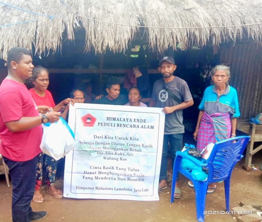 Himpunan Mahasiswa Lamaholot Ende, Salurkan Bantuan Bagi Korban Banjir Lembata