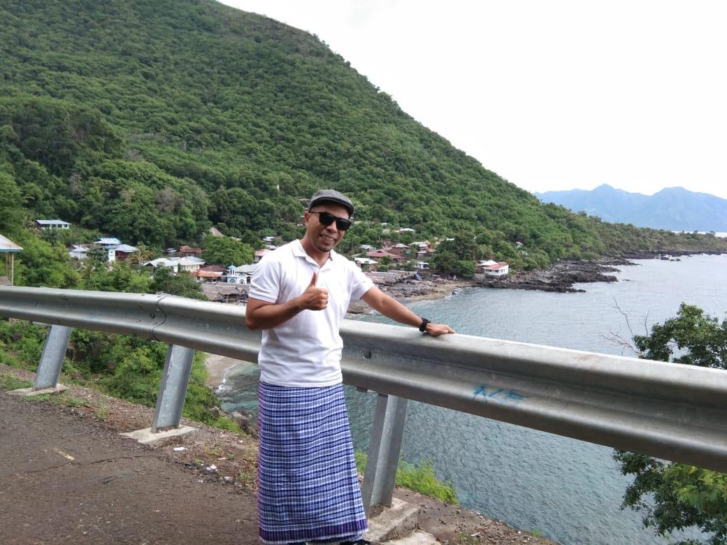 Merebut Paus di Laut Sawu, Putera Lembata Raih Doktor di UGM •Nelayan Lamalera tangkap 5 Paus
