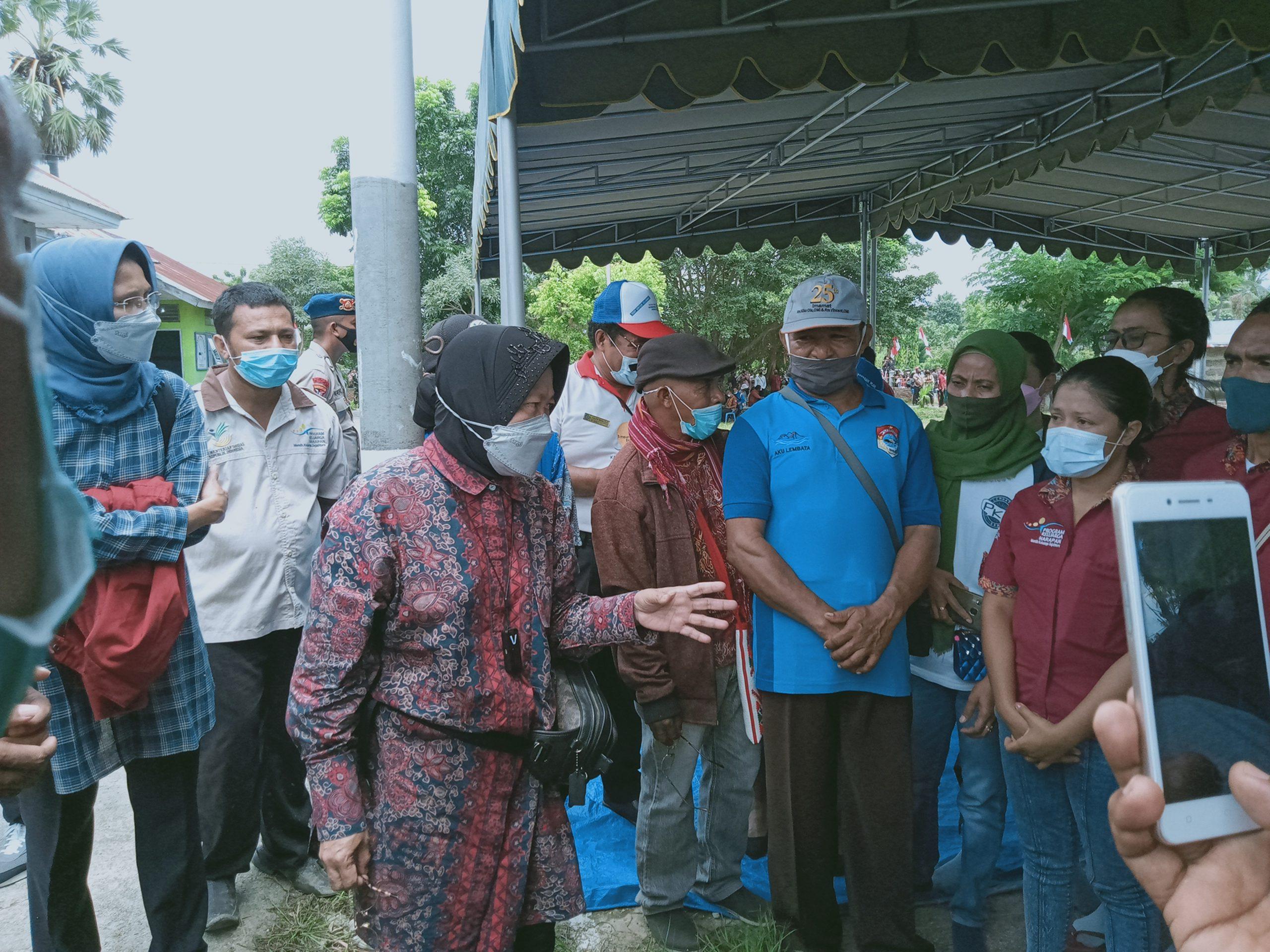 Mensos Tri Risma Maharini, Pastikan Akan Cetak Kembali Kartu PHK Yang Hanyut Terbawa Banjir