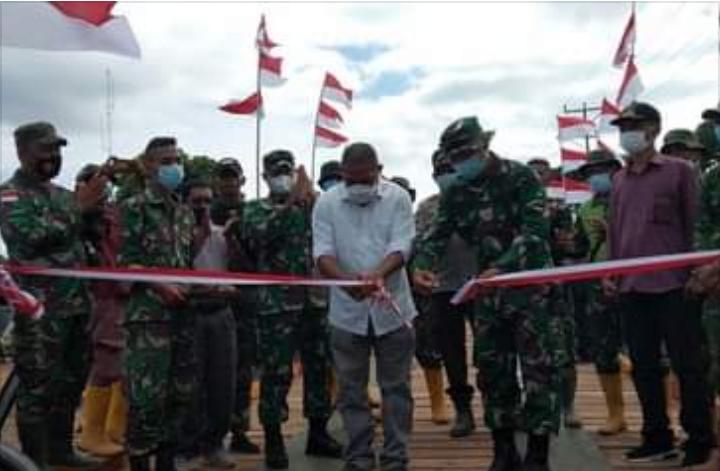 Bupati Flores Timur Resmikan Jembatan Bantuan KASAD TNI AD.